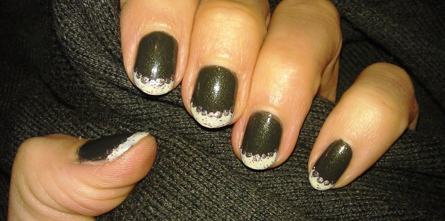 green-christmas-nails-1